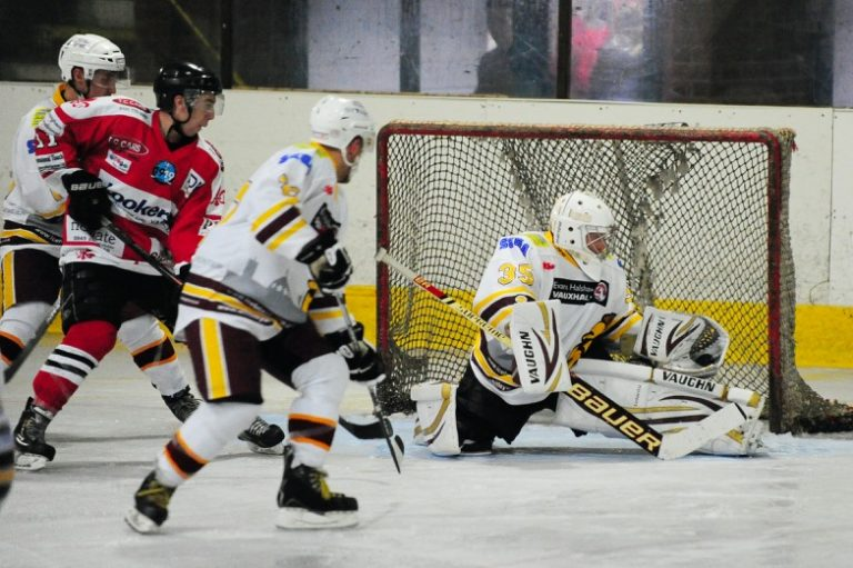 Warriors lose tight tussle with Barons